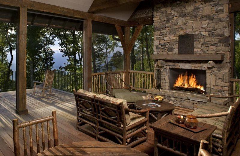 Летняя кухня в стиле альпийского шале