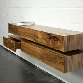 Подвесной столик из массива дерева