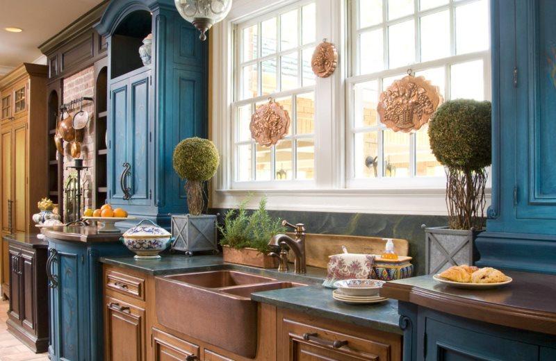 Фасады мебели в кухне с английским уклоном