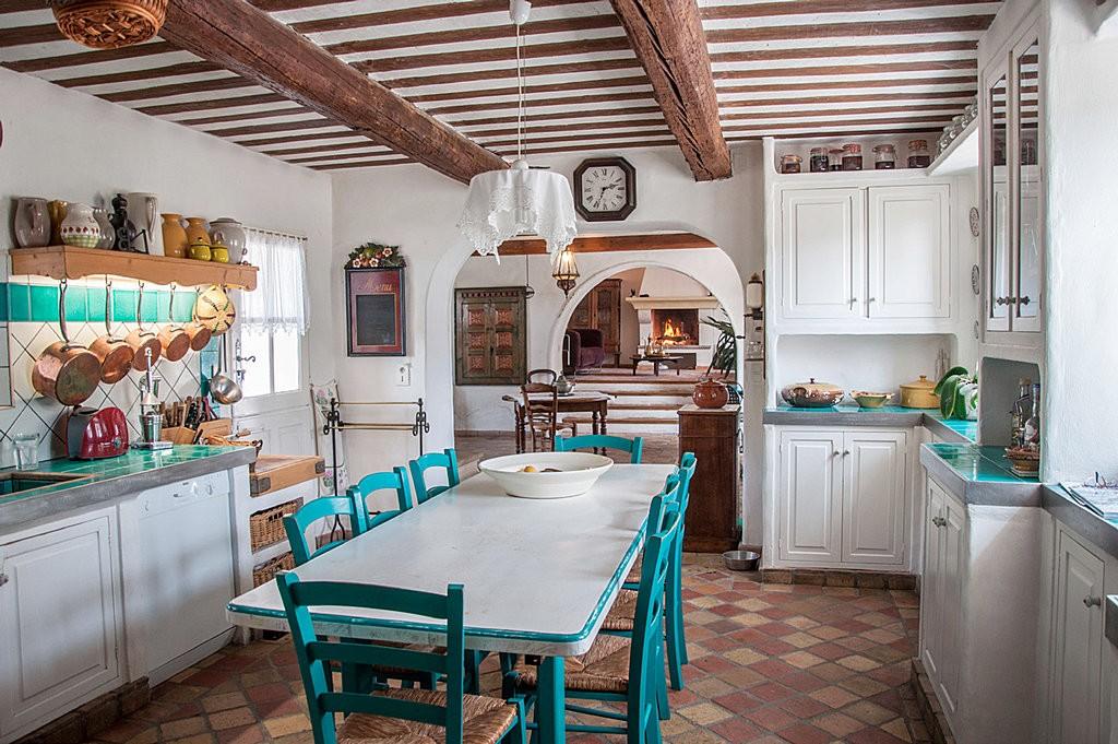 Сельская кухня в стиле французского прованса