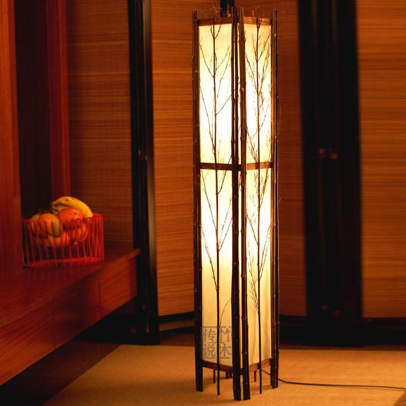Напольный светильник из реек и рисовой бумаги