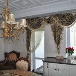 Декор ламбрекеном кухонного окна