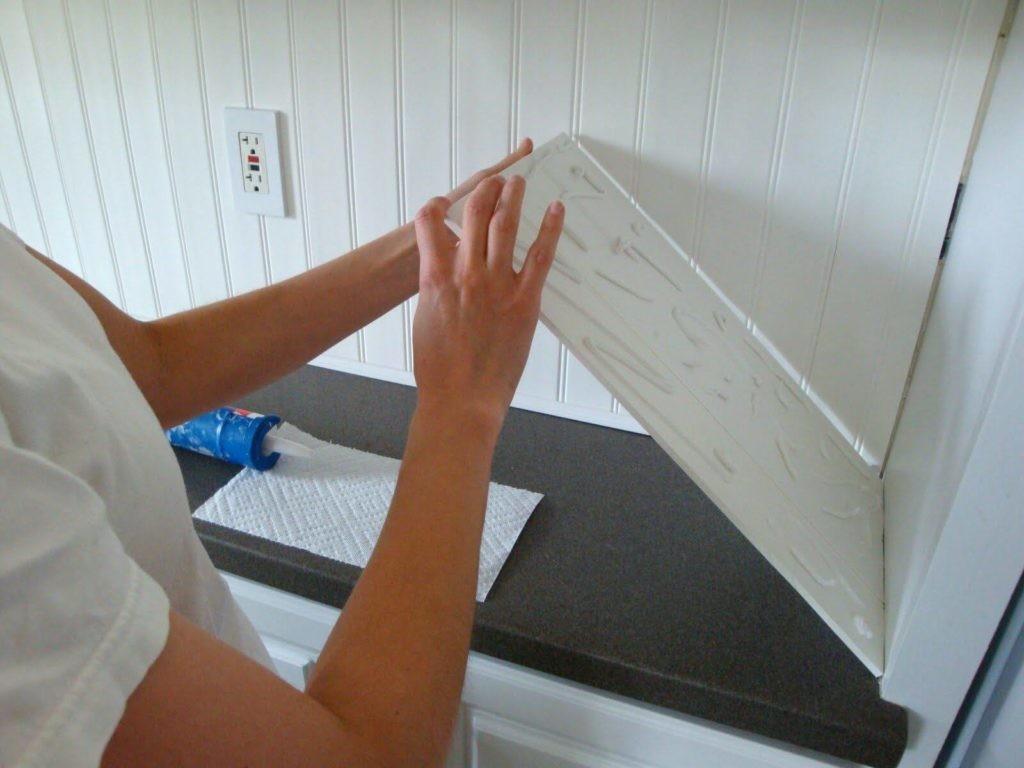 Облицовка своими руками стен кухни пластиковыми панелями