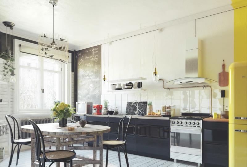 Линейная кухня с вытяжкой открытого типа