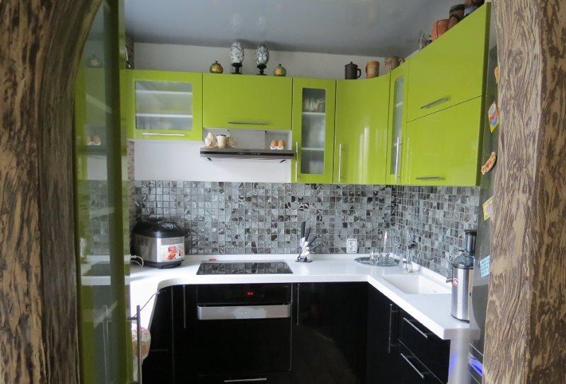 Кухня хрущевки с П-образным гарнитуром