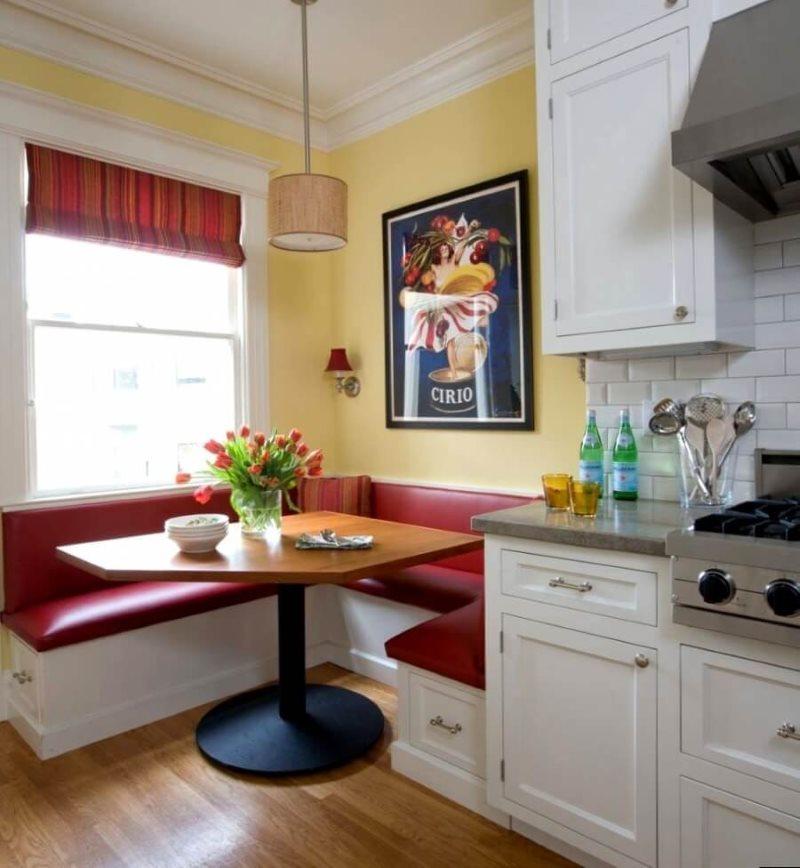 П-образный мягкий уголок в кухне современного стиля