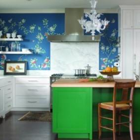 Оклейка стен кухни виниловыми обоями