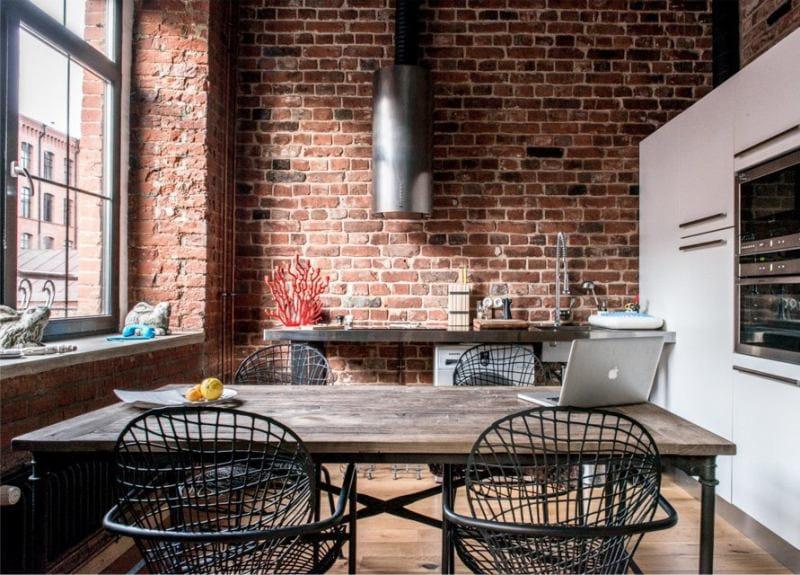 Проволочные спинки кухонных стульев