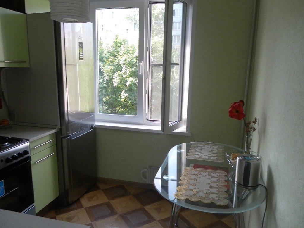 Стеклянная столешница кухонного стола