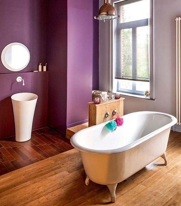 Зонирование ванной комнаты с помощью цвета окрашенных стен