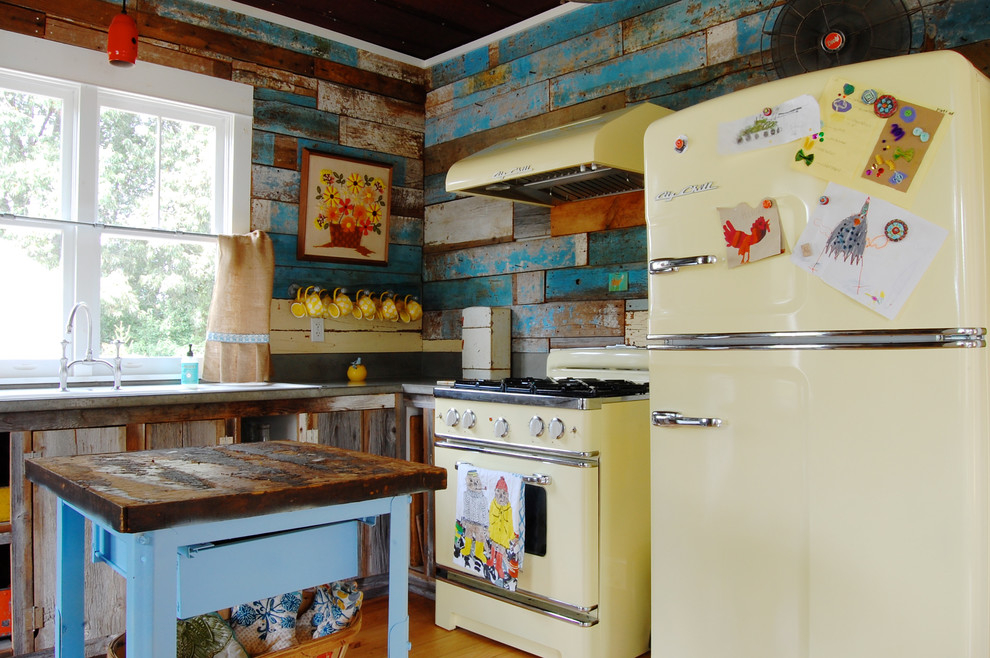 Деревенская кухня в стиле шебби-шик