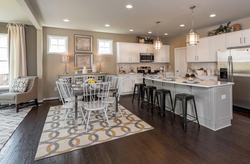 Зонирование кухни-столовой ковром