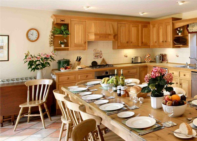 Сервировка обеденного стола в английской кухне
