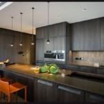 Серая мебель в кухне стиля хай-тек
