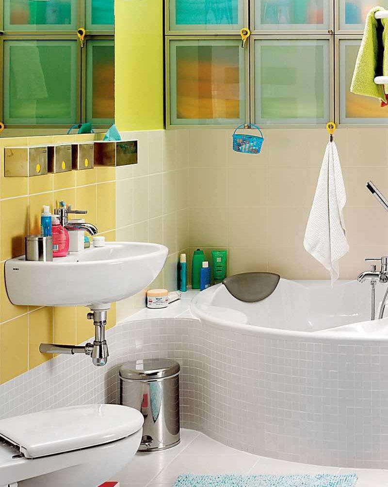 Дизайн ванной комнаты со стеклоблоками