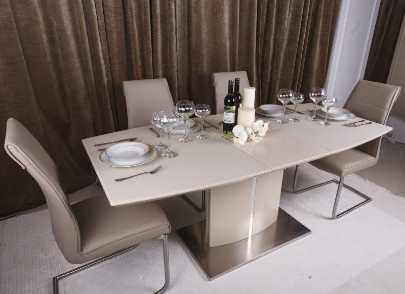 Раскладной кухонный стол цвета капучино