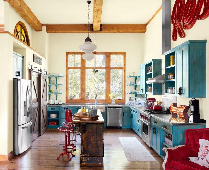Деревянные балки на потолке кухни в ретро стиле