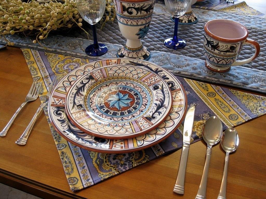 Красивые тарелки с восточными орнаментами