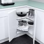 Угловой кухонный модуль с выдвижными полками