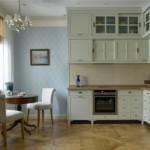 Паркетный пол в кухне угловой планировки