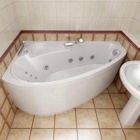 Форсунки внутри ванны с гидромассажем
