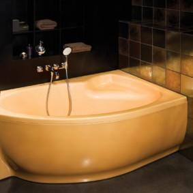 Акриловая ванна бежевого цвета