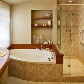 Душевая кабина и угловая ванна