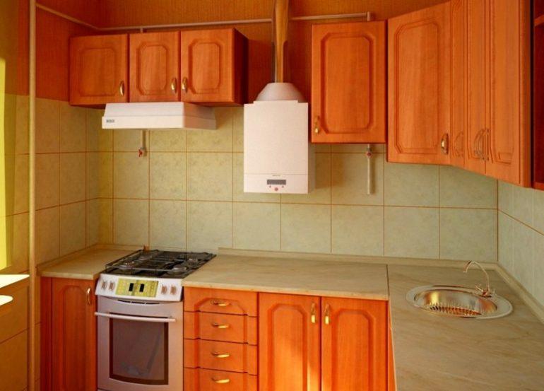 Угловая кухня с газовым водонагревателем на стене