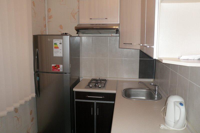 Узкая встраиваемая панель для готовки в компактной кухне