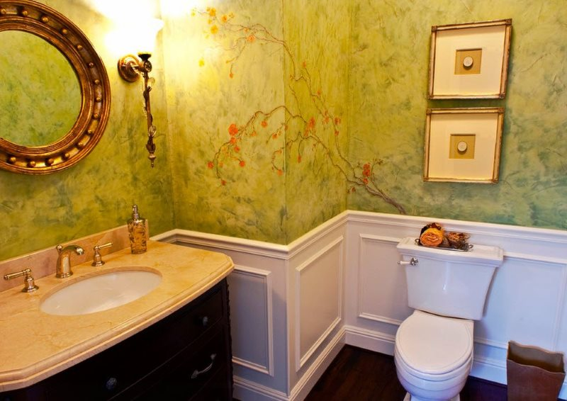 Венецианская штукатурка на стене ванной комнаты