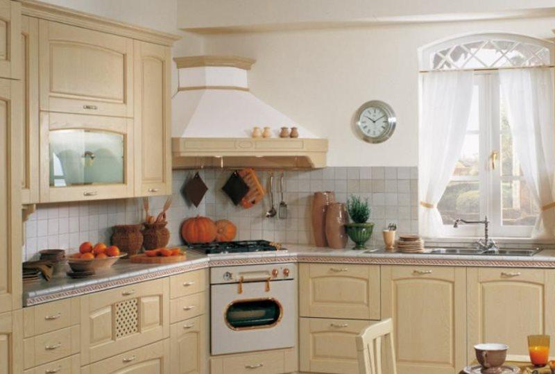 Дизайн кухни в стиле кантри с угловой вытяжкой