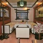 П-образный диван в зоне отдыха кухни