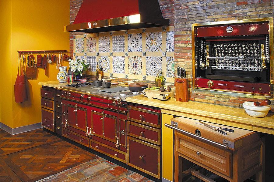 Линейная кухня в стиле пятидесятых годов прошлого века
