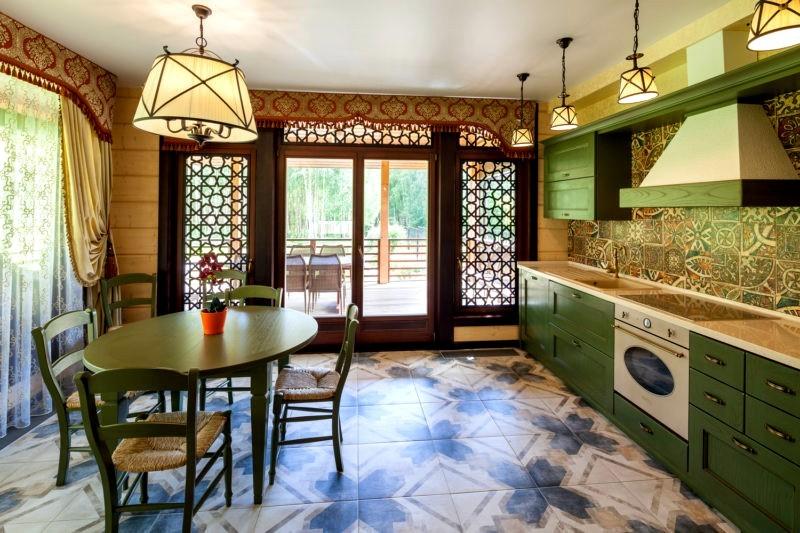 Зеленая кухня в восточном стиле