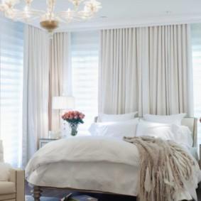 спальня с двумя окнами идеи дизайн