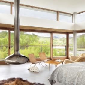 спальня с двумя окнами идеи вариантов