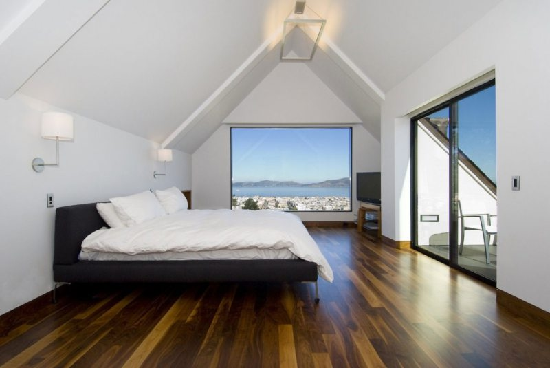спальня с двумя окнами варианты идеи