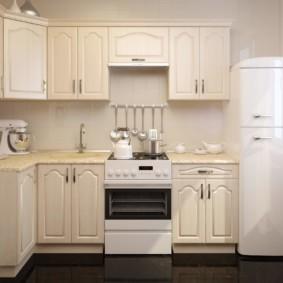 угловой дизайн малогабаритной кухни