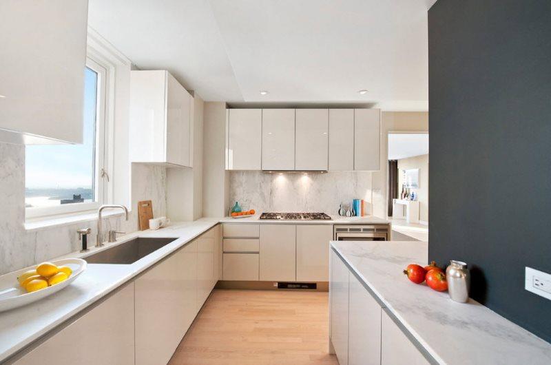 Угловая кухня модерн в белом цвете