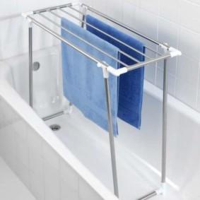 бельевая сушилка в ванной дома