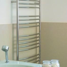 бельевая сушилка в ванной декор фото