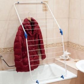 бельевая сушилка в ванной фото интерьер