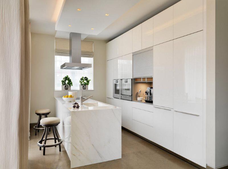 Интерьер кухни модерн в городской квартире