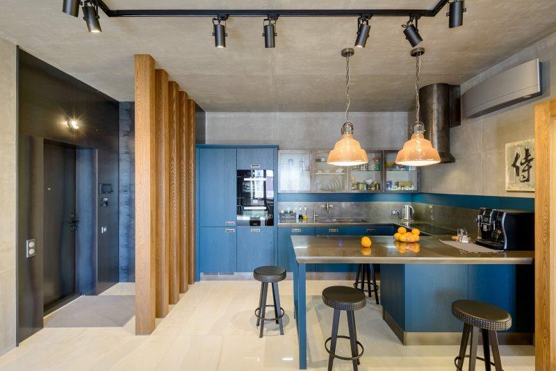 Серая поверхность бетонного потолка кухни