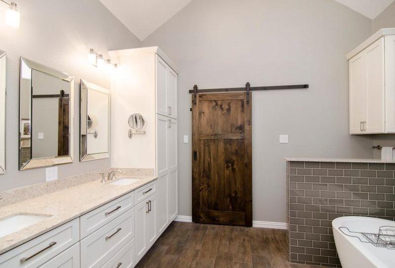 Деревянное полотно двери сдвижной конструкции