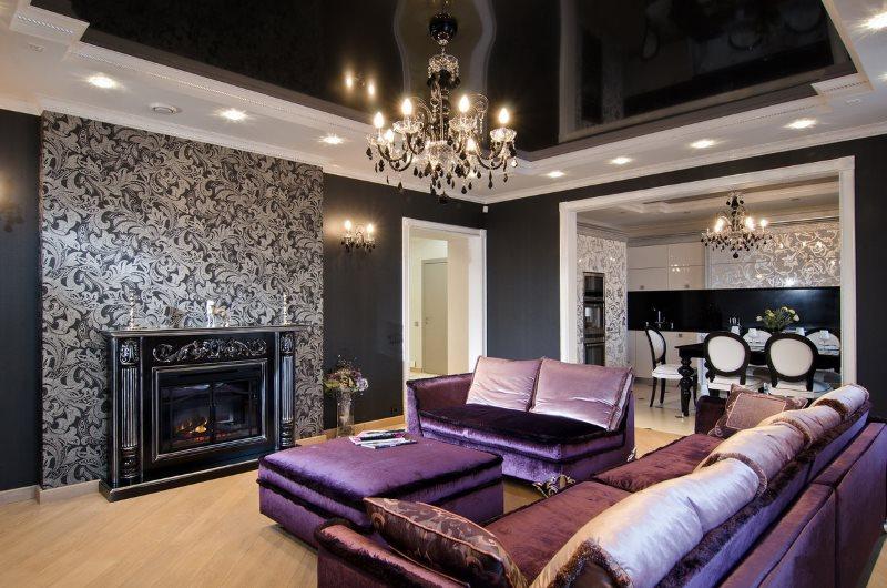 Черный потолок гостиной с камином в стиле арт деко