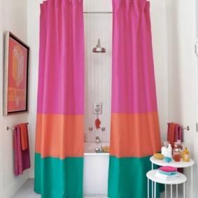 цветные шторы для ванной