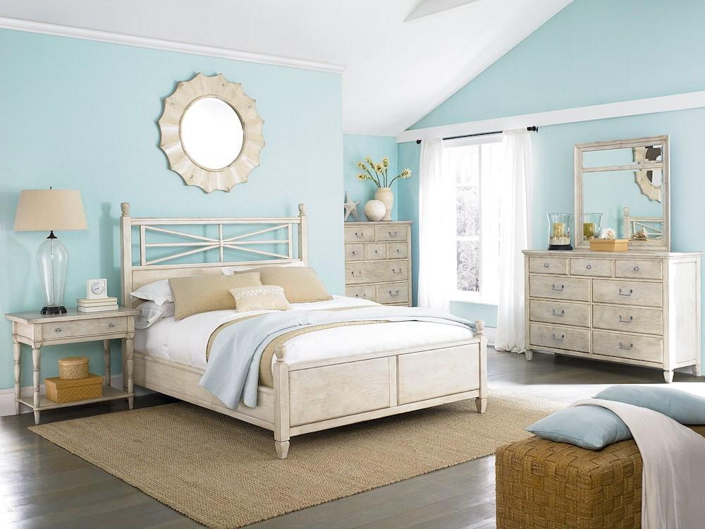 спальня на мансарде морский стиль