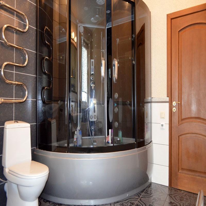 душевая кабина в ванной комнате декор