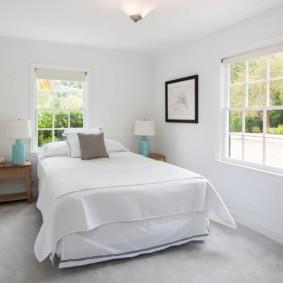 два окна в спальне дизайн